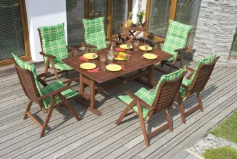 Bez podsedáků se u zahradního nábytku neobejdete, zdroj: shutterstock.com
